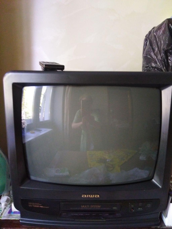 телевизор -моноблок  AIWA